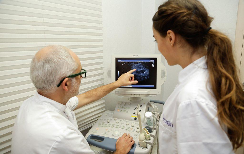 ¿Cómo es la estimulación ovárica en un tratamiento de Reproducción Asistida?